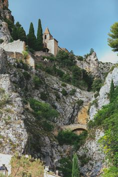 Moustiers-212
