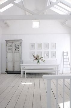 Would love this space for a art studio! Look at the light!