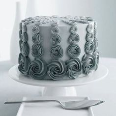 50 shades of grey buttercream cake
