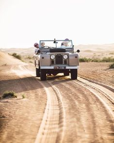 Land Rover (Series & Defenders) and more stuff I like. Land Rovers, Range Rover Off Road, Land Defender, Volkswagen, Ben Brown, Expedition Vehicle, Land Cruiser, Offroad, Landing