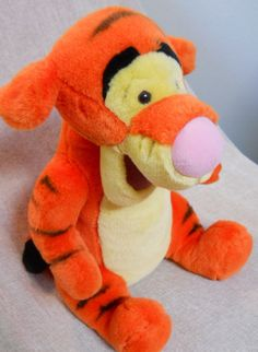 Disneyland Tigger Tiger Sitting Plush Smiling 17 In. Tall Sitting Yellow Belly