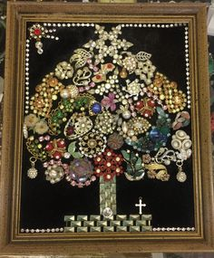 Framed Vintage Jewelry Christmas Tree Bell Angel Wreath Stocking Collage Art in Collectibles, Holiday & Seasonal, Christmas: Modern (1946-90) | eBay