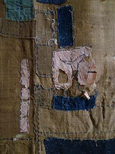 A Silk Boro Cloth: Safflower Dyed Paper Patches Textile Prints, Textile Design, Textile Art, Boro Stitching, Book Repair, Visible Mending, Stitch Book, Japanese Textiles, Kintsugi