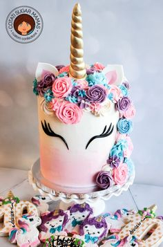 Birthday is a special day for everyone, and a perfect cake will seal the deal. Fantasy fictions create some of the best birthday cake ideas. Cupcakes, Cake Cookies, Cupcake Cakes, Kid Cakes, Cool Birthday Cakes, Unicorn Birthday Parties, Unicorn Party, Unicorn Cakes, Birthday Ideas