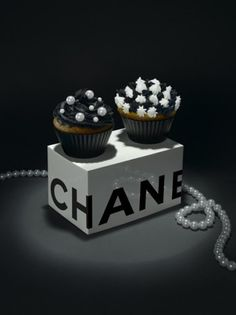 Chanel Muffin.