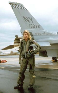 """USAF Maj. Jacquelyn Susan """"Jackie"""" Parker was one of the first female fighter pilots assigned to an F-16 Viper squadron."""