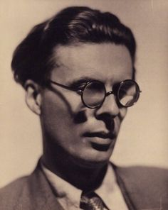 Author of the dystopian Brave New World and Doors of Perception which described his experiences taking psychedelics. Photo Howard Coster 1934 x What Is Genius, Aldous Huxley Quotes, The Doors Of Perception, Writers And Poets, Brave New World, National Portrait Gallery, Life Plan, Consumerism, Book Authors