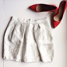 Zara Basic Silver Metallic Detail Tulip Skirt Zara Basic silver metallic pattern detail skirt. Size small. Zara Skirts Mini