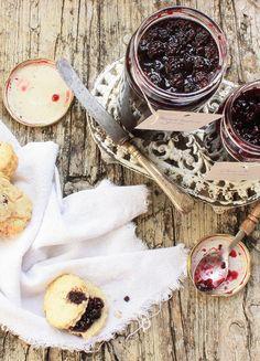 Pratos e Travessas: Doce de amoras e scones # Blackberry jam and scones | Food, photography and stories