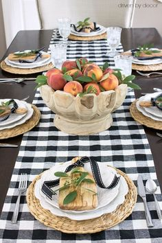 Peaches make a stunningly simple fall centerpiece - post includes link for that pretty wood bowl