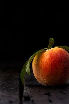 Fresh peaches will be on tomorrow's menu                                                                                                                                                                                 Más