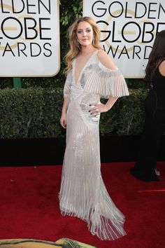Here's The Extremely Glam ~Lewks~ From The 2k17 Golden Globes Red Carpet - Pedestrian TV