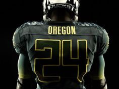 Nike unveils new integrated uniform system for Oregon Ducks in Rose Bowl a2eb68697
