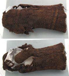 Lödöse mitten, from textilverkstad. Vintage Clothing, Vintage Outfits, Viking Reenactment, 14th Century, Fiber Art, Vikings, Weapons, Armour, Textiles