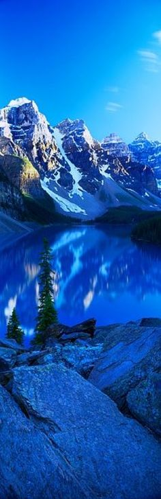 Moraine Lake in the Canadian Rockies of Alberta's Banff National Park •
