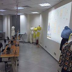 عرض أعمال طالبات رافلز  Raffles students work display #rafflesgraduation #grandopening  #الرياض #السعودية #تصميم #تمبلريات  #saudidesignhub #designschool #studydesign #ksa #rafflesksa #studydesignriyadh #riyadh #designschoolriyadh #fashiondesign #jewelryd