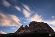 #Dolomiti: il #Sassolungo ripreso al tramonto dal Passo Sella #fotografia