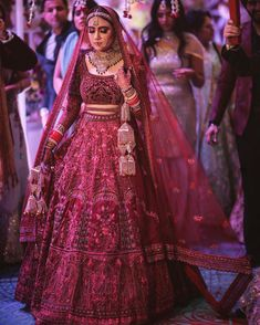 indian designer wear Here is a list of sensational bridal lehenga colour ideas for you to seek inspiration from to show off your individuality on your big day! Indian Wedding Gowns, Indian Gowns Dresses, Indian Bridal Outfits, Indian Bridal Fashion, Pakistani Bridal Dresses, Indian Bridal Wear, Indian Designer Outfits, Indian Designers, Pakistani Suits