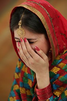 shyness gives woman more charm and beauty! Beautiful Girl Makeup, Beautiful Girl Indian, Beautiful Girl Image, Cute Girl Poses, Girl Photo Poses, Girl Photography Poses, Magical Photography, Stylish Girls Photos, Stylish Girl Pic
