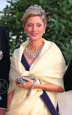 The Antique Corsage Tiara, here worn by princess Marie-Chantal of Greece. Royal Crowns, Royal Tiaras, Tiaras And Crowns, Marie Chantal Of Greece, Denmark Royal Family, Greek Royalty, Royal Jewelry, Royal House, Crown Jewels