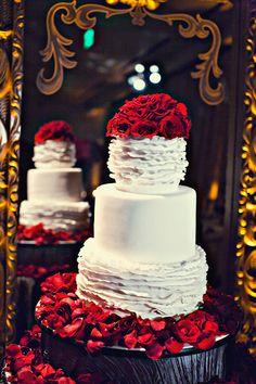 Glamorous Old Hollywood Wedding cake