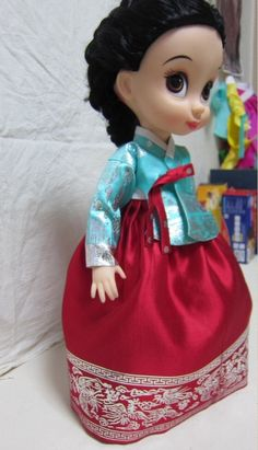 Disney Animators Collection Dolls • Doll's Hanbok. 한복 韓服 (Hanbok : Korean traditional clothes) Disney Baby Dolls, Baby Disney, Disney Princess, Korean Traditional, Traditional Clothes, Korean Crafts, Disney Animators Collection Dolls, Cloth Patterns, Disney Animator Doll