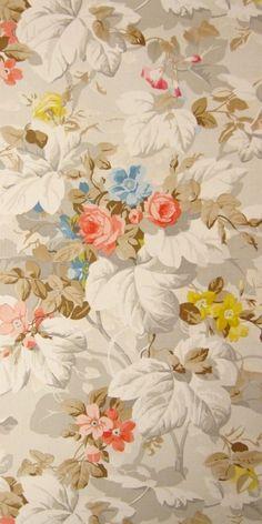 vintage wallpaper Desdemona - interior of  closet?
