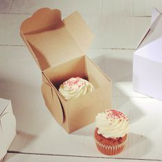 ★ One can never have enough of cupcakes! ★ http://selfpackaging.com/en/root/home/boxes-2214-simple-cupcakes-box-with-lid-76.html?size=1 #lovelylittleboxes #diy