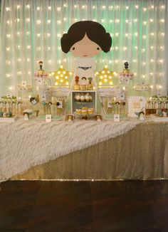 You have to see this Star Wars baby shower party! See more party ideas at CatchM - Star Wars Princesses - Ideas of Star Star Wars Baby, Girls Star Wars Party, Star Wars Birthday, Girl Birthday, Birthday Ideas, Tema Star Wars, Star Wars Mädchen, Princesa Leia, Baby Girl Shower Themes