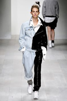 See the complete Ashish Spring 2013 Ready-to-Wear collection.
