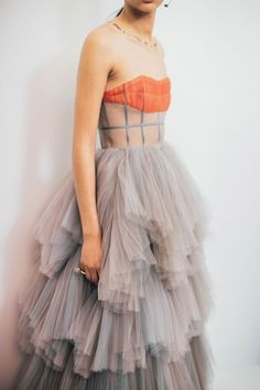 Tulle gown from Dior couture Fashion Poses, Fashion Week, Look Fashion, High Fashion, Fashion Show, Fashion Trends, Dress Fashion, Fashion Clothes, Spring Fashion