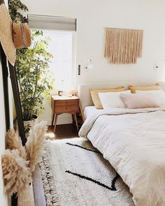 Boho Bedroom Discover 45 Awesome Minimalist Bedroom Design Ideas 33 Epic Navy Blue Bedroom Design Ideas to Inspire You Home Decor Bedroom, Bedroom Decor, Minimalist Bedroom, Mid Century Bedroom, Farm House Living Room, Bedroom Design, Modern Bedroom, Home Decor, Living Room Designs
