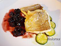 Blog de cuina de la dolorss: Besugo en filetes con salsa de vino tinto y pasas