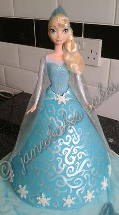 Elsa cake. Disney princess / queen Elsa from frozen cake.  Doll skirt cake hand painted detail. (janeebabes cakes)