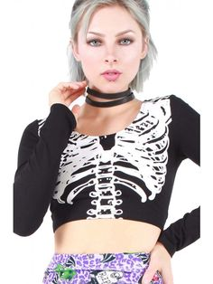 Show your bones in our long sleeved midi skeleton crop! - 95% Cotton/5% Elastane - Printed just on one side.