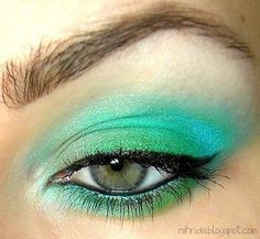 Green and blue color #eyeshadow