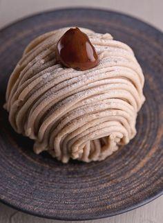 Bild: Photo by Mont Blanc Dessert, Mont Blanc Cake, Sweet Recipes, Cake Recipes, Dessert Recipes, Shortcake Recipe, Pie Dessert, Food Humor, Something Sweet