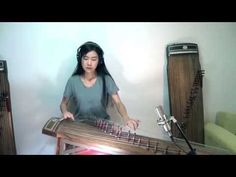 Every now and then, we check in on the fascinating musical world of Luna Lee--a musician who performs Western music on the Gayageum, a traditional Korean stringed instrument which dates back to the century. Radiohead, Korean Instruments, Luna Youtube, William Christopher, Famous Musicians, Music Covers, World Music, Live Music, Mtv