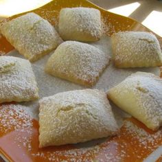 Italian desserts are among the most prized of all! This Sweet Ravioli with Ricotta cheese recipe is easy, quick and a sure success...Who doesn't...