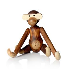 The wooden monkey was designed by Kay Bojensen in 1951 and it is a perfect home decor for design interested but also a nice gift for the little ones. The small monkey is just one of the many wooden animals from Kay Bojesen Denmark, find your favorite! Wooden Animals, Wooden Toys, Design Online Shop, Small Monkey, Year Of The Monkey, Danish Furniture, Little Monkeys, Danish Design, Scandinavian Design