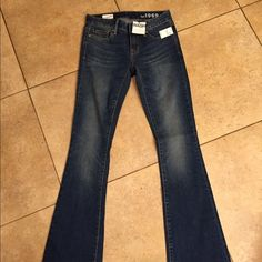 Gap NWT jeans size 25R NWT wide keg curvy style  jeans have a 32in inseam Size 25R retail tags attached no flaws GAP Jeans