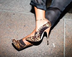 Hannah Bronfman channels her inner sex kitten in her Brian Atwood heels. #BrianAtwood #NYFW
