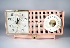 My mother had a radio like this in the kitchen.