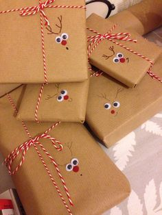 Christmas Gift Wrapping, Diy Christmas Gifts, Christmas Projects, Winter Christmas, Christmas Holidays, Christmas Decorations, Creative Gift Wrapping, Wrapping Presents, Wrapping Ideas