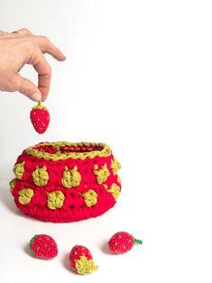 Une corbeille crochet au parfum de fraise / Strawberry crochet basket