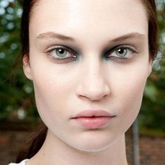 3 Eye Makeup Updates That Don't Involve Liner | The Zoe Report
