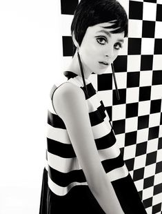 Carolina Thaler in Christian Dior, Spring 2013 photographed by Eduardo Rezende for Marie ClaireBrazil, April To me just a repeat of the Twiggy, late age. 60s And 70s Fashion, Retro Fashion, Trendy Fashion, Fashion Art, Vintage Fashion, Dress Fashion, Dior Fashion, Twiggy, Style Année 60