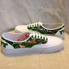 Turtle Power! Teenage Mutant Ninja Turtles custom Vans / by KivadenoCustoms