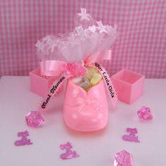 Baby Shower Centerpiece Ideas | Thank Heaven for little girls baby bootie favor