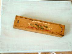 nostalgischer Griffelkasten aus Holz von GretaunddasRotkaeppchen auf DaWanda.com